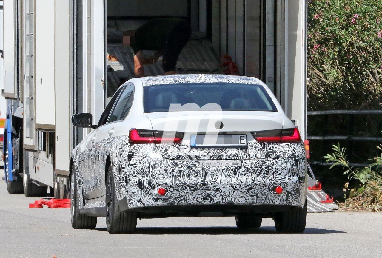 2022 BMW i3 23