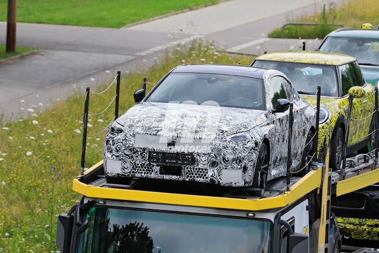 Cazado el nuevo BMW Serie 2 Coupé 2022 desde todos los ángulos