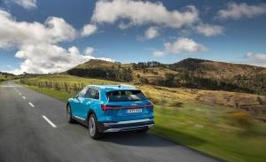 Conducir un coche eléctrico: sensaciones deportivas incluso con un solo pedal