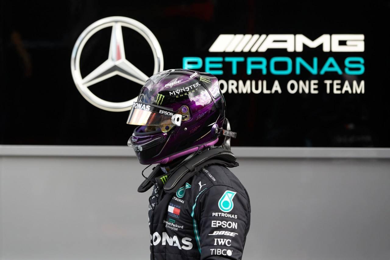 Hamilton pierde su primer crono de la Q3 pero mantiene la segunda posición