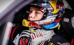 Kalle Rovanperä muestra a su padre Harri su talento con el Yaris WRC