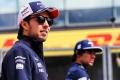 Pérez confirma la cláusula que puede alejarle de Aston Martin: «Yo no echaría a mi hijo»