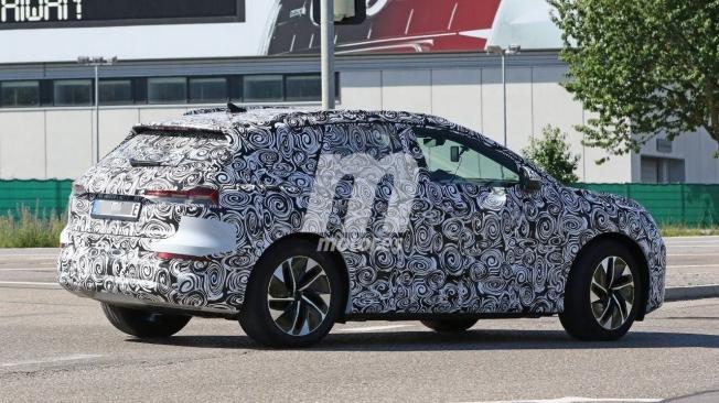 Audi Q4 e-tron - foto espía posterior