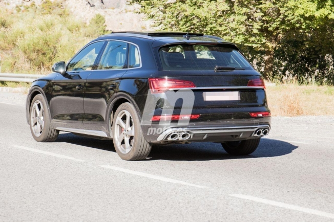 Audi SQ5 2021 - foto espía posterior
