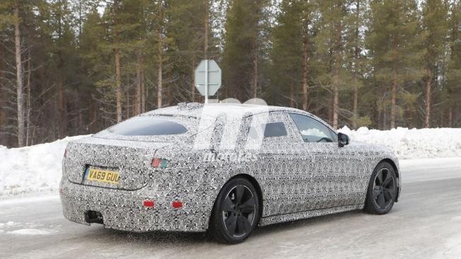Jaguar XJ 2021 - foto espía posterior