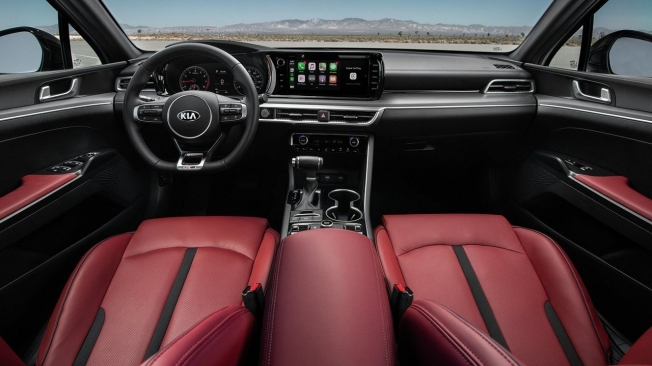 KIA K5 2021 - interior
