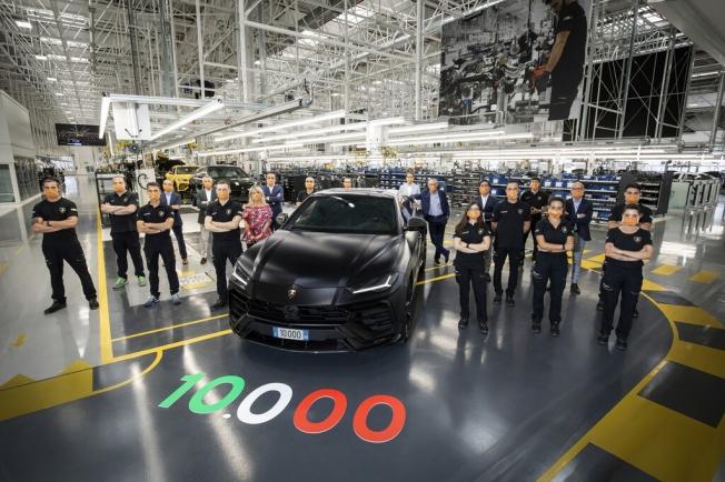 Lamborghini Urus, 10.000 unidades fabricadas