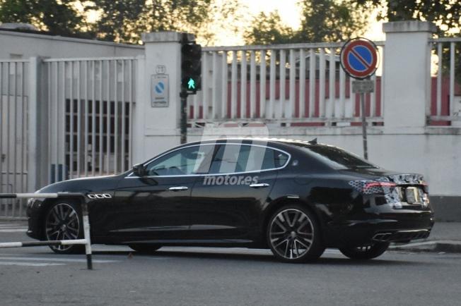 Maserati Quattroporte 2021 - foto espía lateral