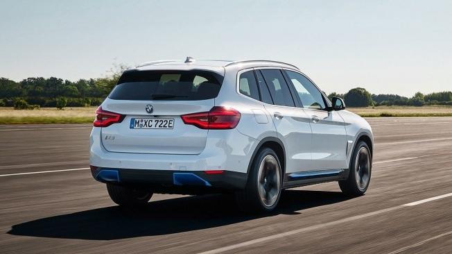 BMW iX3 - posterior