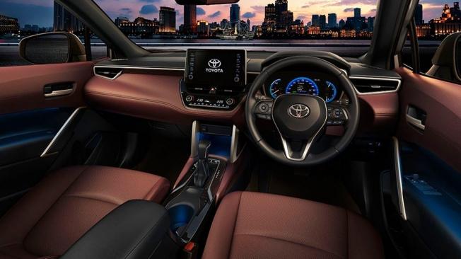 Toyota Corolla Cross - interior