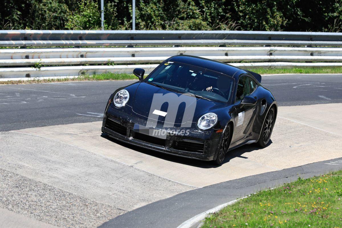 Te mostramos con todo detalle el nuevo Porsche 911 Turbo 'cola de pato' manual