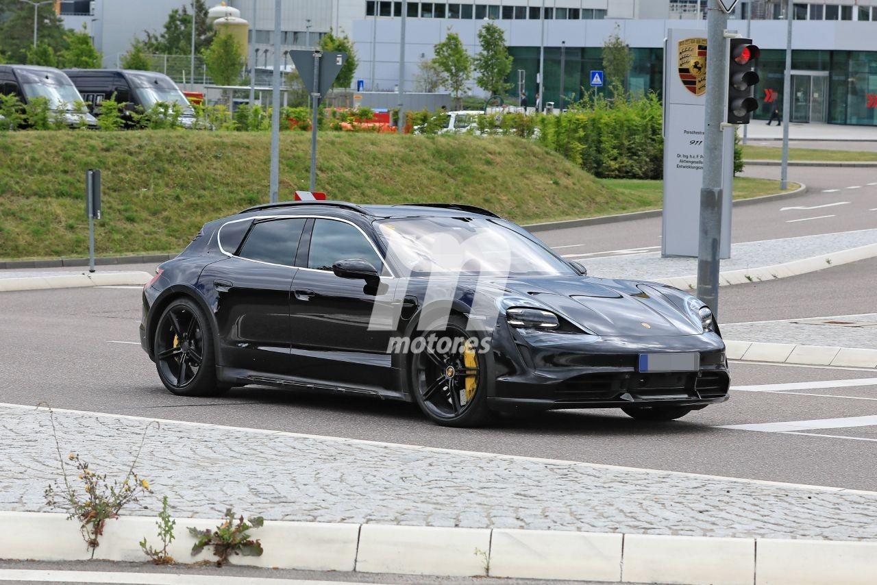 2020 - [Porsche] Taycan Sport Turismo - Page 2 Porsche-taycan-cross-turismo-2021-fotos-espia-202069309-1595277239_5