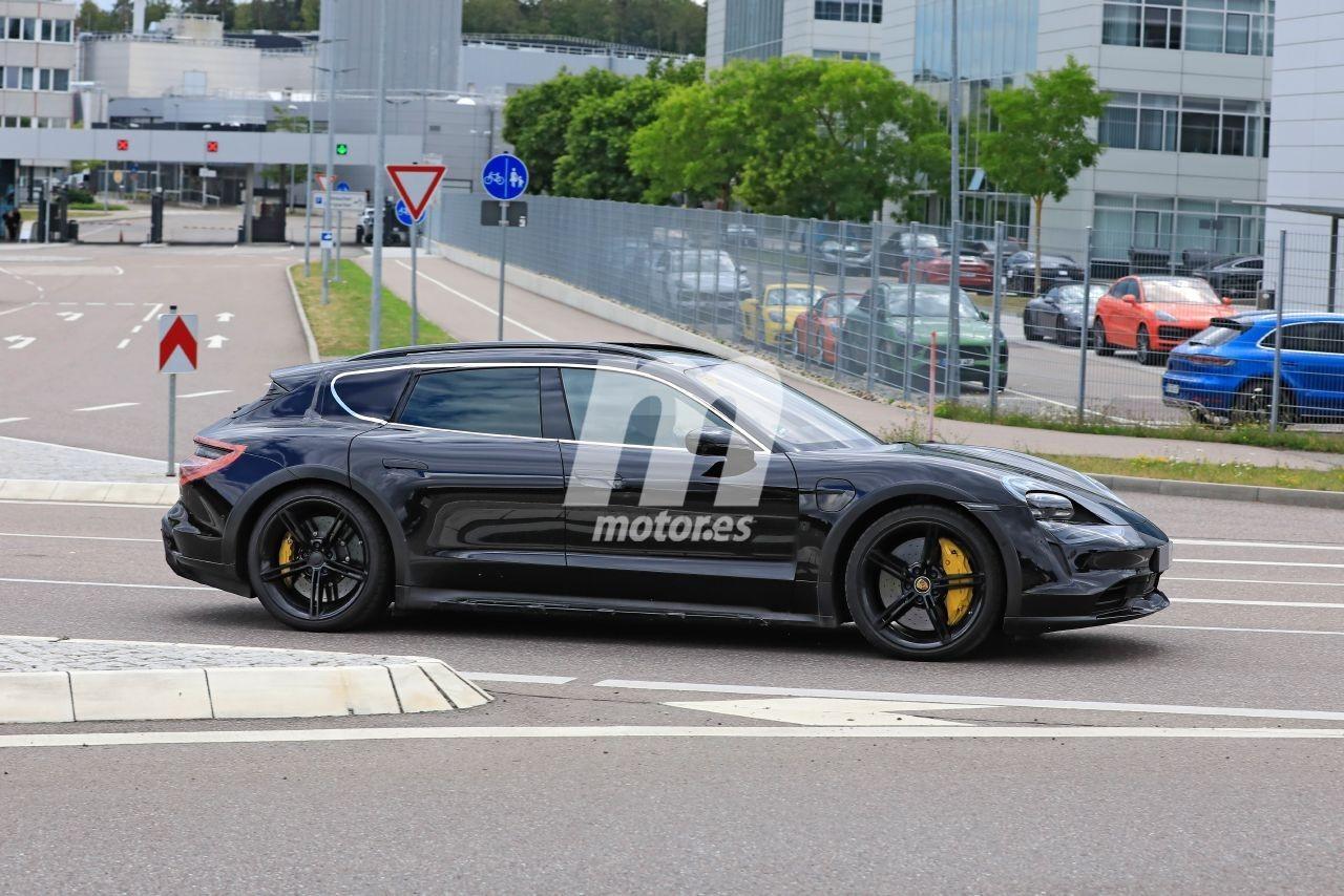 2020 - [Porsche] Taycan Sport Turismo - Page 2 Porsche-taycan-cross-turismo-2021-fotos-espia-202069309-1595277245_7