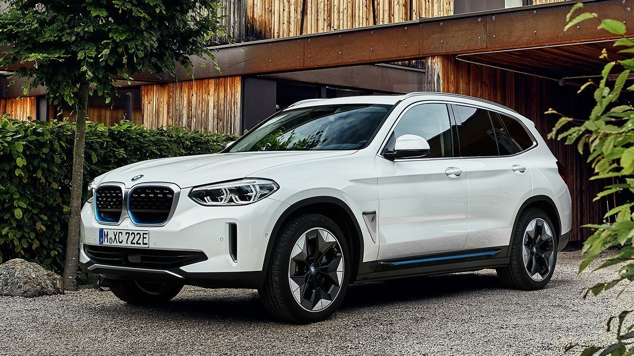 El BMW iX3 ya tiene precio en España, ¿cuánto cuesta este nuevo SUV eléctrico?