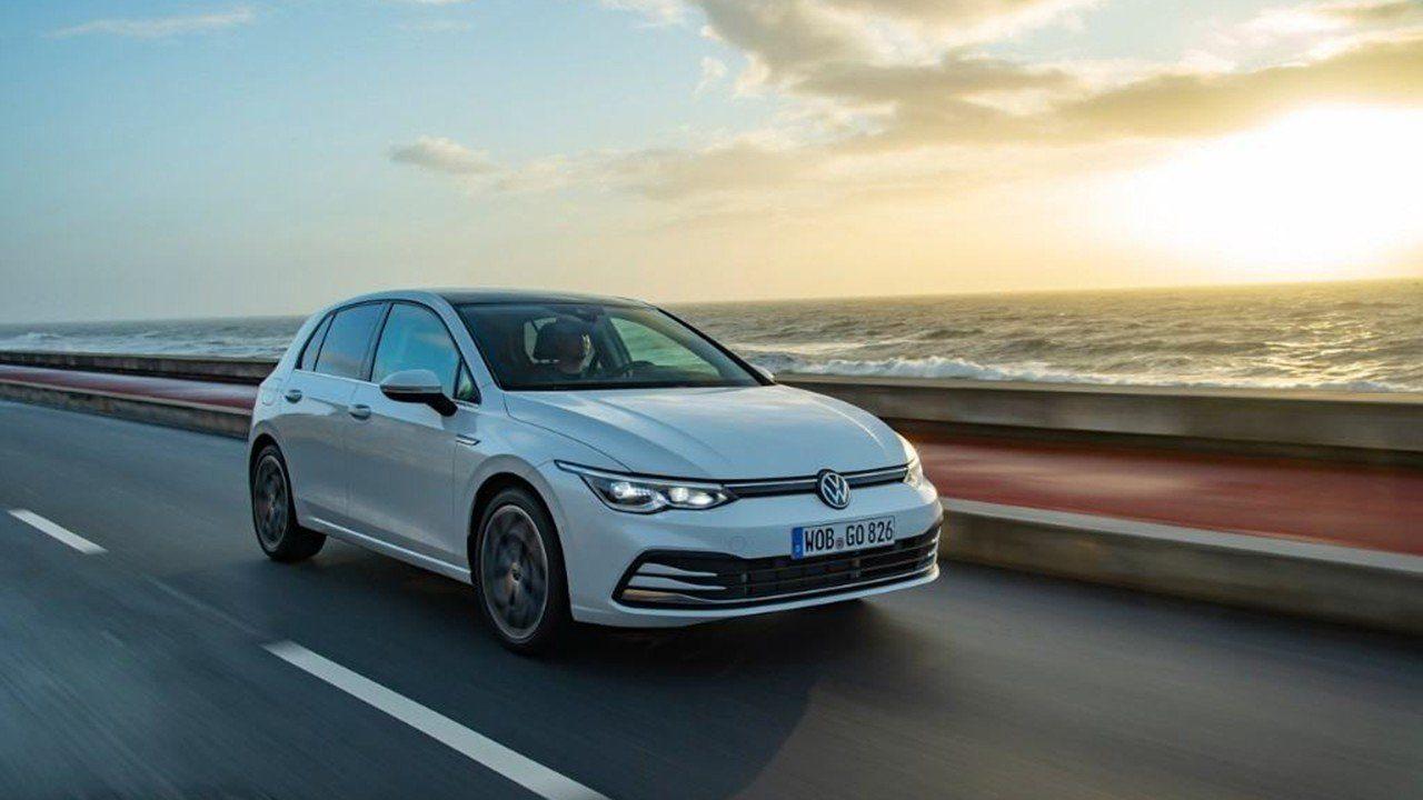 El nuevo Volkswagen Golf estrena versión de acceso, ¿merece la pena?
