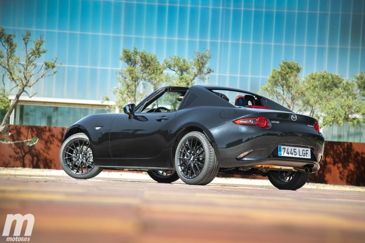 Prueba Mazda MX-5 RF Dark Red Edition, distinción sin renunciar a la diversión