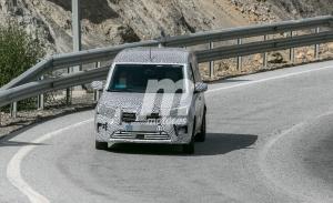 El nuevo Renault Kangoo 2021 pierde camuflaje en estas fotos espía