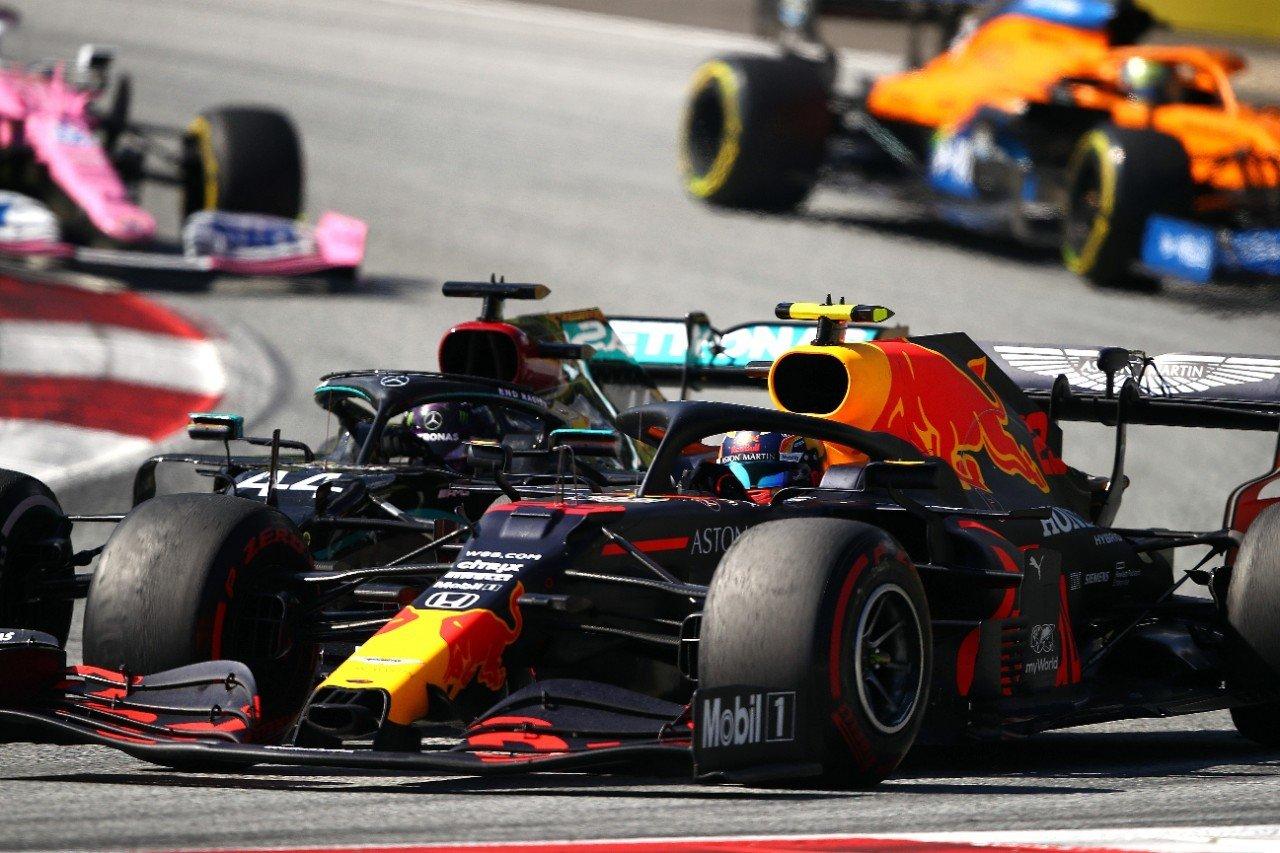 Se repite la historia: Hamilton arruinó el podio de un Albon que «podría haber ganado»