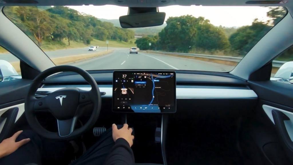 Un Tribunal de Alemania sentencia que la publicidad del Autopilot de Tesla es engañosa