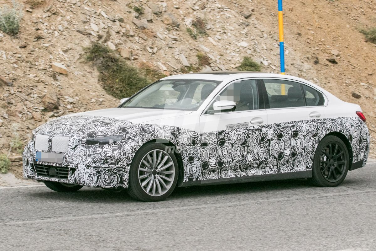 2022 BMW i3 31