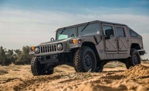 Henrik Fisker tiene la intención de fabricar un Hummer H1 eléctrico