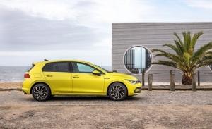 Italia -  Julio 2020: El Volkswagen Golf 8 escala hasta el top 5
