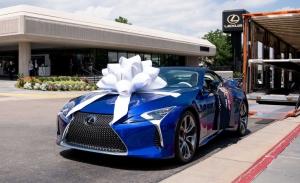 El Lexus LC 500 Cabrio subastado por 2 millones ya está con su propietario