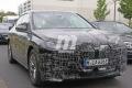 Dos prototipos del nuevo BMW iX 2021 posan en unas fotos espía con lujo de detalle