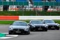 Hamilton y Bottas retan al jefe con el Mercedes AMG GT R, ¿quién gana?