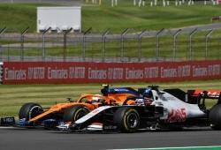 ¿La excusa de Grosjean por su defensa sobre Sainz y Ricciardo? la FIA y Verstappen