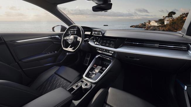 Audi S3 Sedán 2021 - interior
