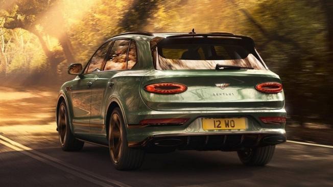 Bentley Bentayga 2021 - posterior