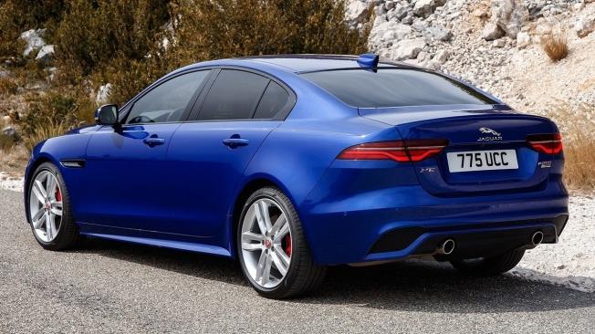 Jaguar XE - posterior
