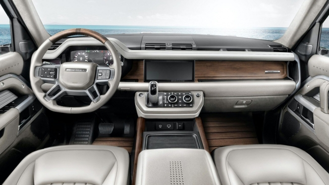 Land Rover Defender Yachting Edition - interior
