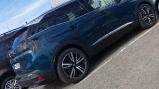 Peugeot 3008 2021 - foto espía posterior
