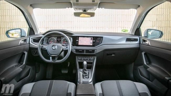Volkswagen Polo - interior