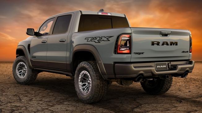RAM 1500 TRX Launch Edition - posterior
