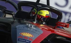 Oliver Rowland logra la penúltima pole de la 'Season Six' de la Fórmula E