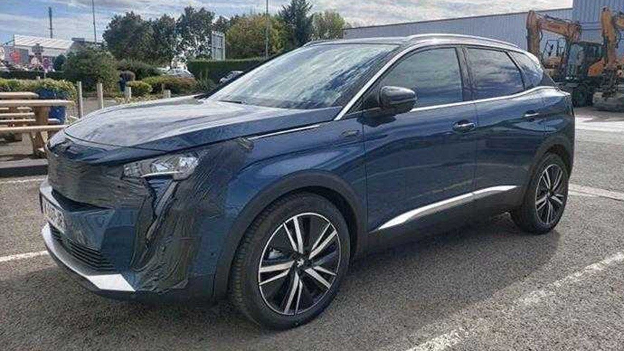 ¡Cazado! El nuevo Peugeot 3008 2021 se deja ver a falta de pocos días para su debut