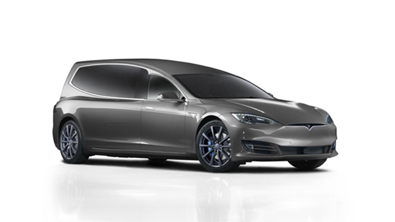 El Tesla Model S convertido en coche fúnebre llega al Reino Unido