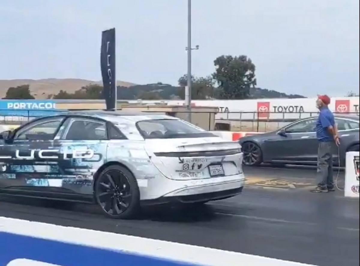 La drag race eléctrica más esperada: Lucid Air vs. Tesla Model S