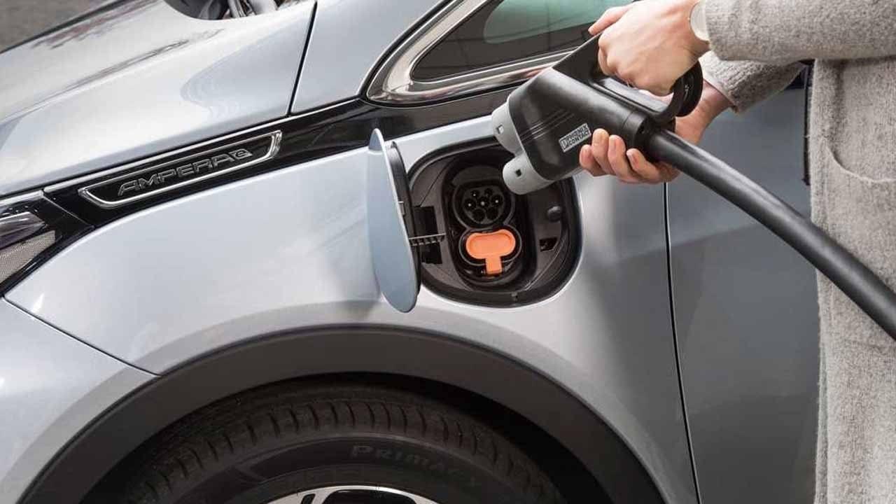 Tipos de cargadores para coches eléctricos y velocidad de carga