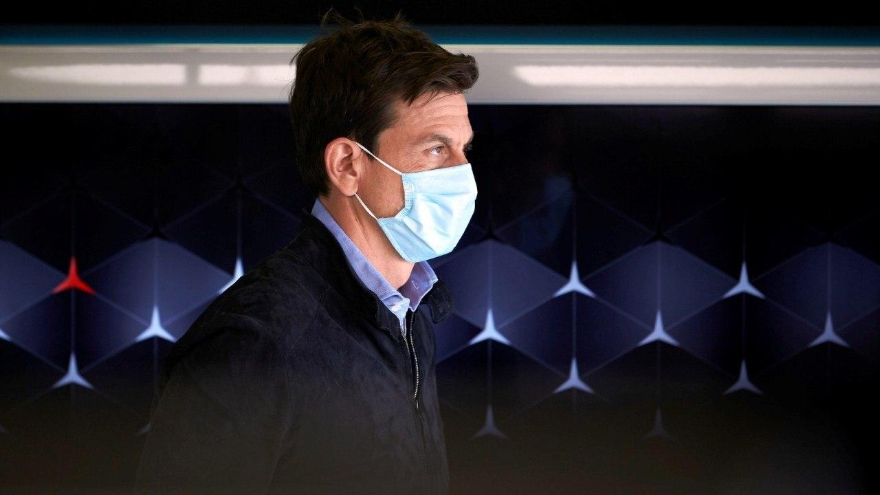 Wolff quita importancia al 'Mercedes rosa': «Un rival nos escaneó el coche entero en 3D»