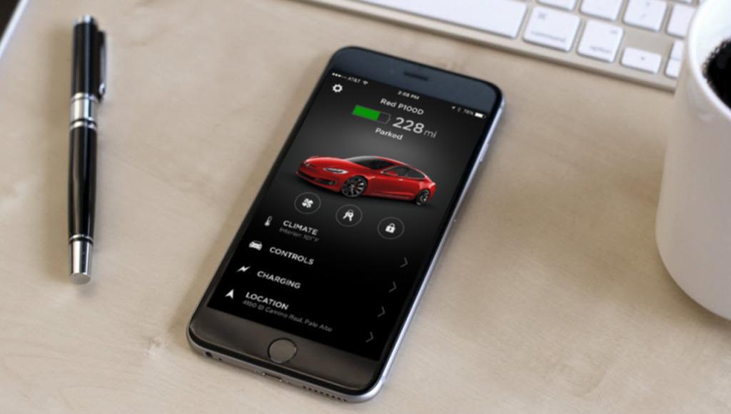 Abrir o cerrar un Tesla con app móvil no siempre funciona