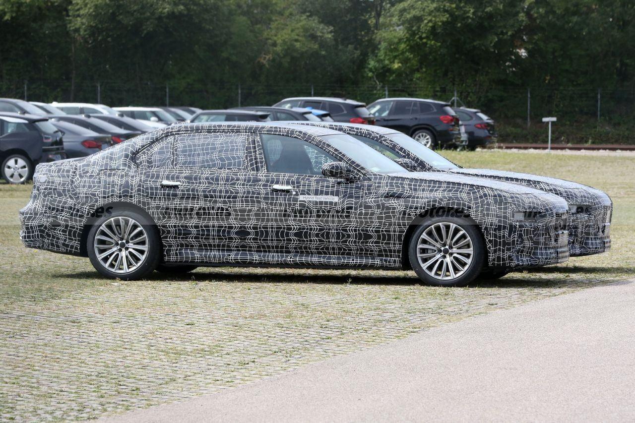 Los prototipos del futuro BMW Serie 7 híbrido enchufable, cazados en la calle