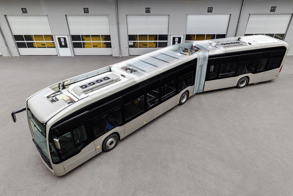 El autobús Mercedes-Benz eCitaro recibe baterías de estado sólido y versión articulada
