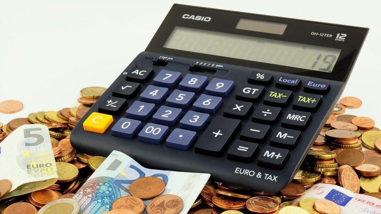 El IVA al comprar un coche de segunda mano: ¿qué otros impuestos entran en juego?