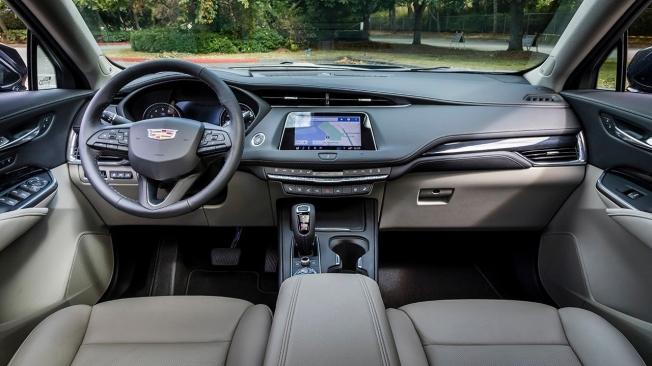 Cadillac XT4 2021 - interior
