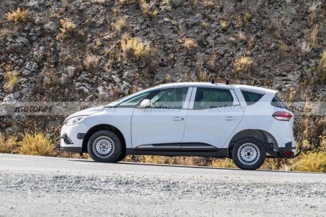 Dacia SUV 7 plazas - foto espía lateral