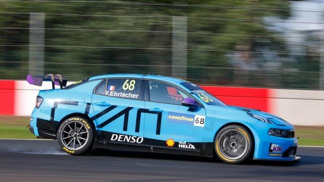 Nathanaël Berthon conquista la primera pole del WTCR 2020 en Zolder